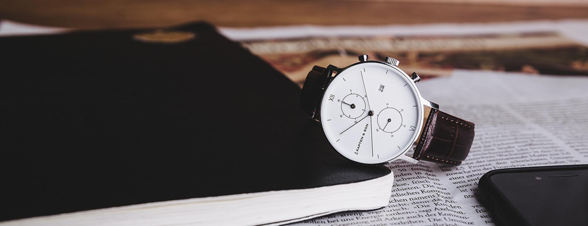 Die stylischen Uhren für Freiheitsliebende und Abenteuer sind ein begehrtes Geschenk zu Weihnachten.