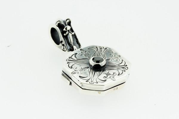Pendant Medaillon, lilles flower mit schwarzem Diamant